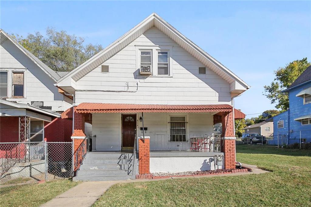 816 Garfield Avenue Property Photo - Kansas City, KS real estate listing