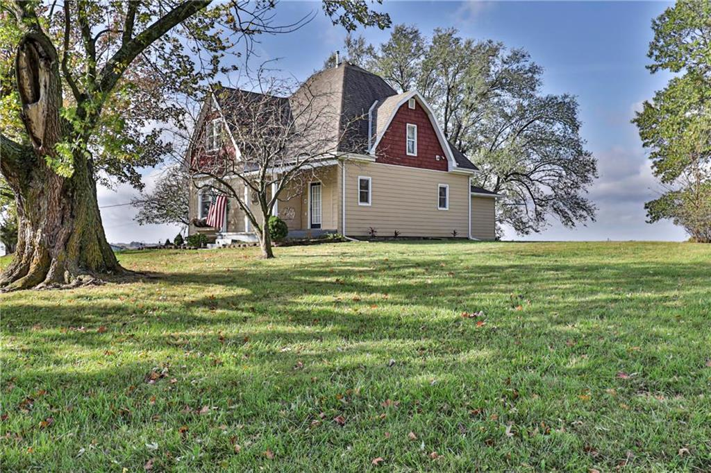 5197 Afek Road Property Photo - Higginsville, MO real estate listing