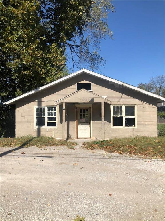 8504 Wilson Road Property Photo - Kansas City, MO real estate listing