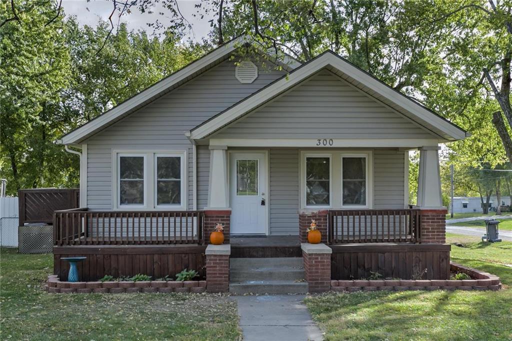 300 N Prairie Street Property Photo - Hamilton, MO real estate listing
