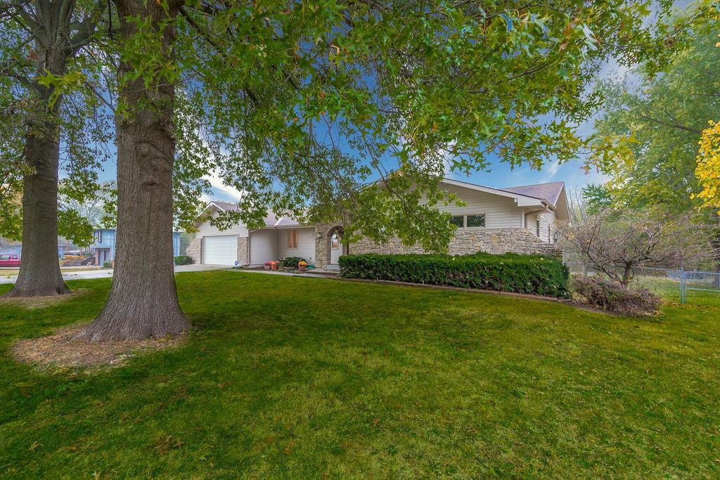 19919 Nall Avenue Property Photo - Stilwell, KS real estate listing