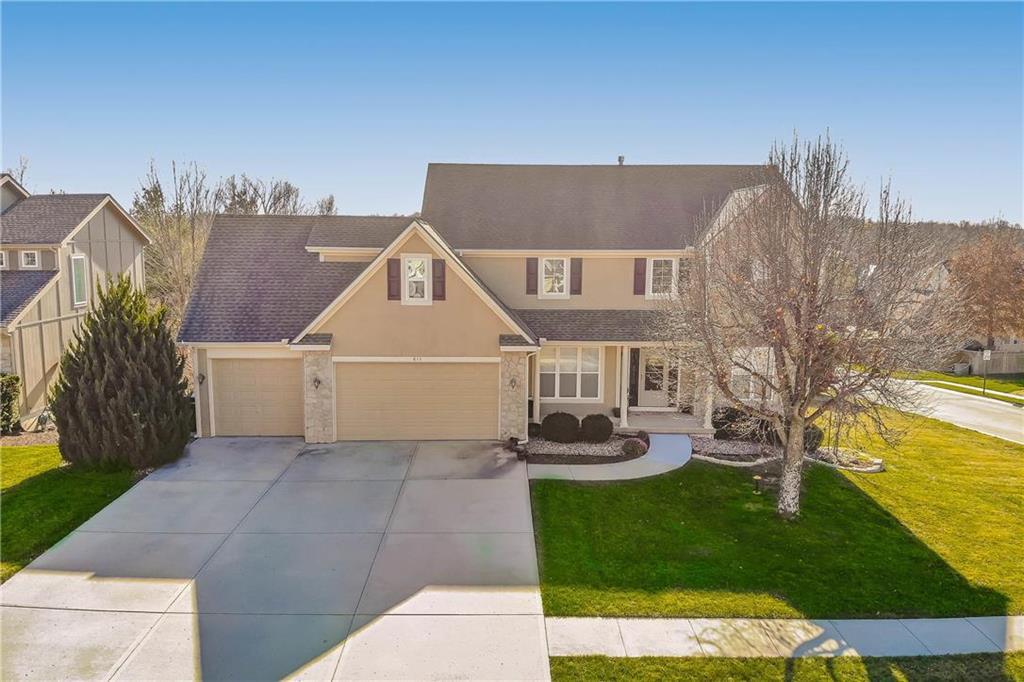 611 Rock Creek Drive Property Photo - Lansing, KS real estate listing