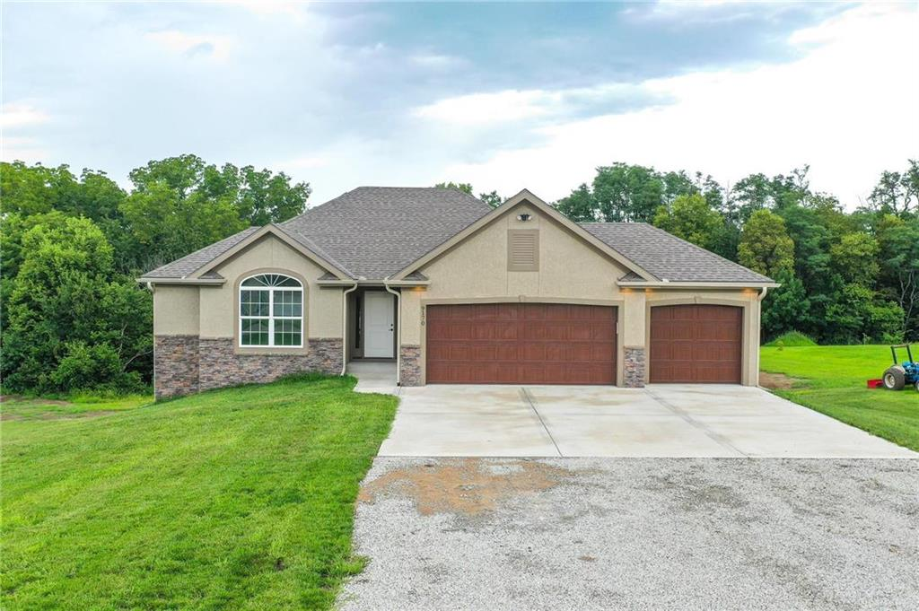 5640 SW Maple Ridge Property Photo - Trimble, MO real estate listing
