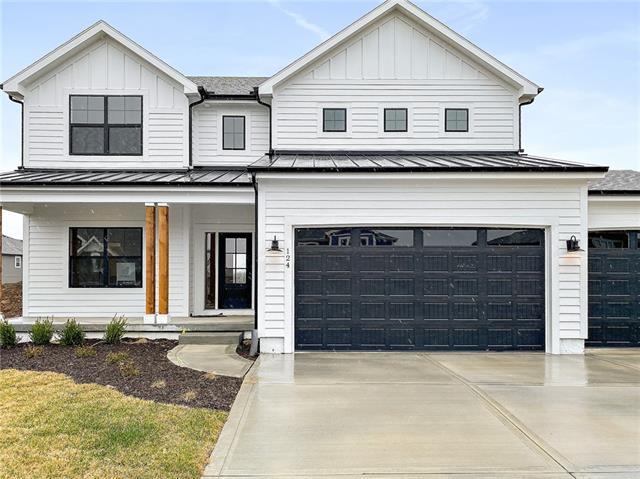 124 Se Riley Street Property Photo 1