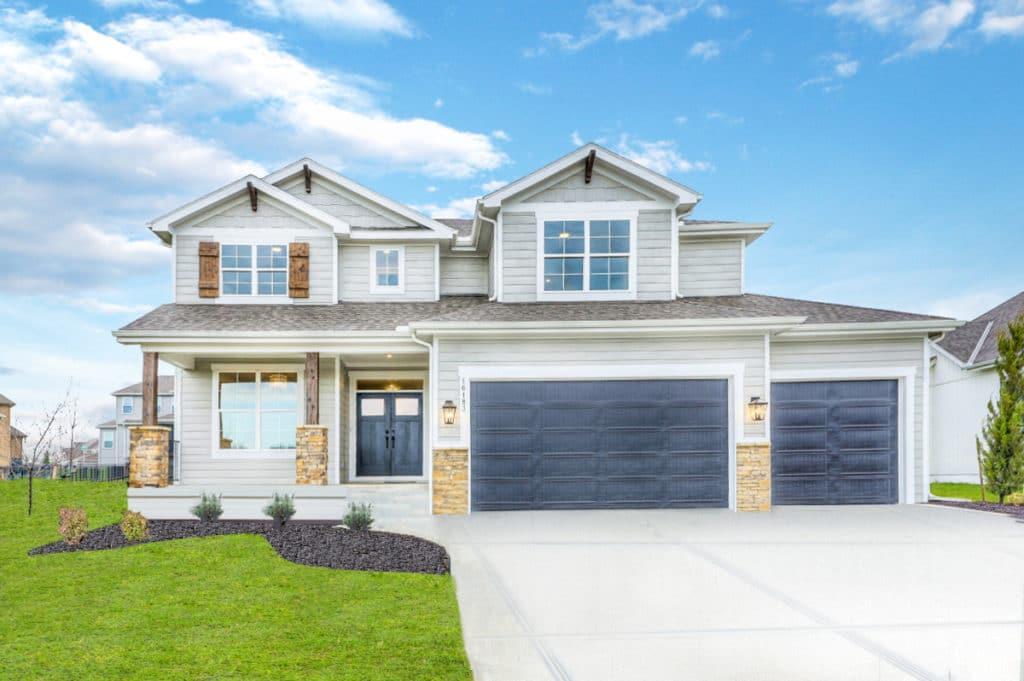 16183 W 165th Terrace Property Photo - Olathe, KS real estate listing