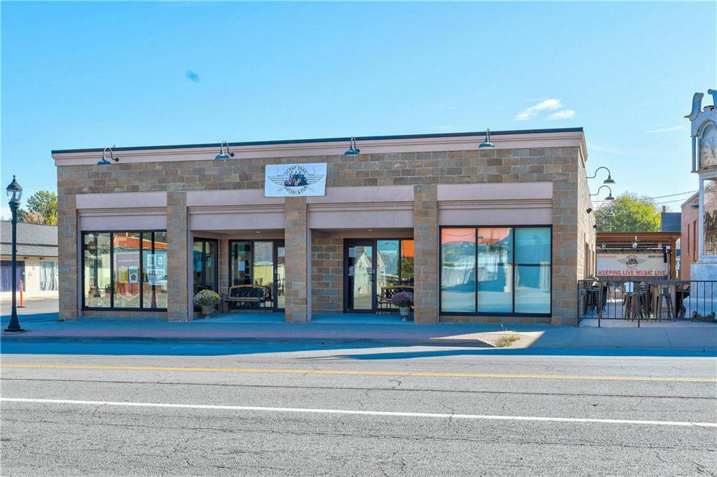 1107 S Broadway Street Property Photo - Oak Grove, MO real estate listing