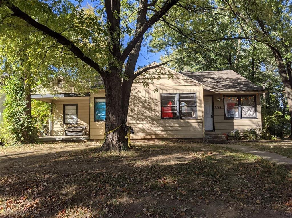 1114 NE 44TH Street Property Photo - Kansas City, MO real estate listing