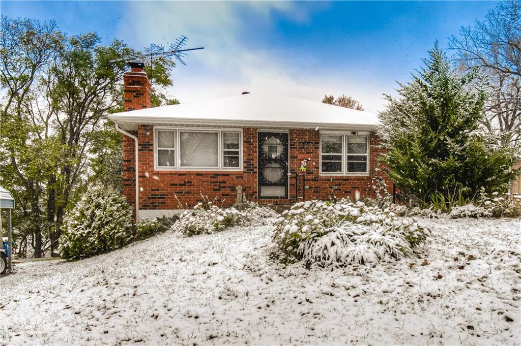 11312 E Park Street Property Photo - Sugar Creek, MO real estate listing