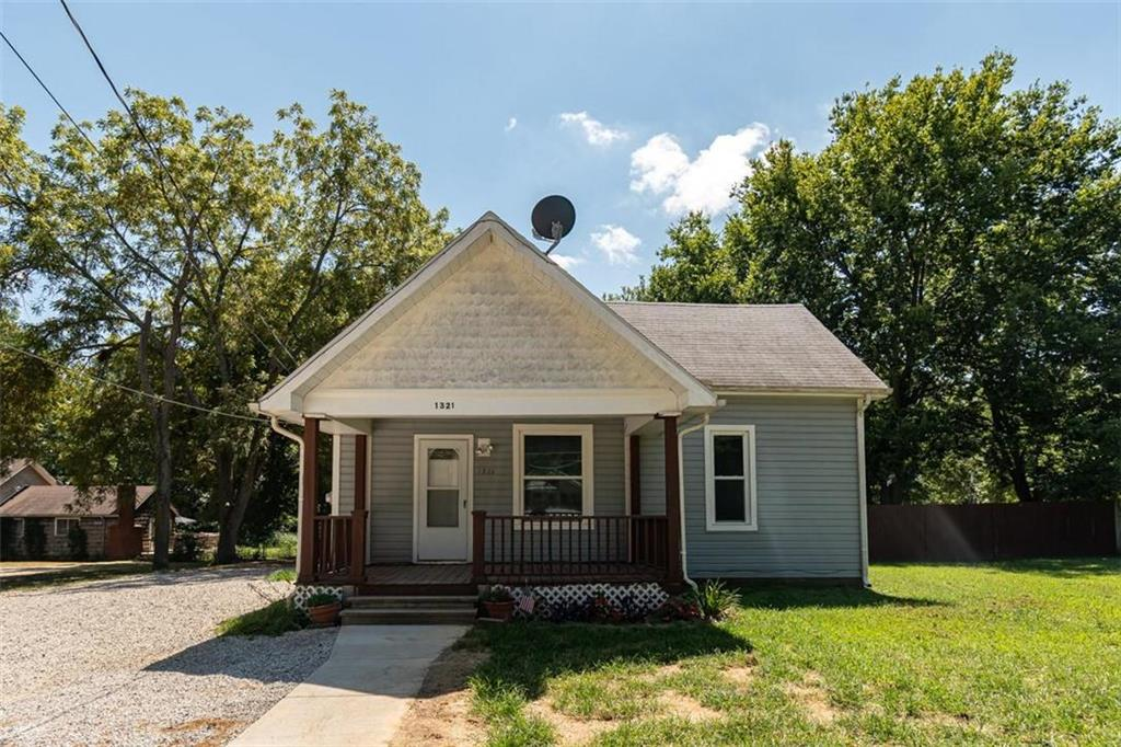 1321 High Street Property Photo - Baldwin City, KS real estate listing