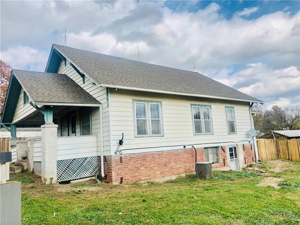 207 S Race Street Property Photo - New Hampton, MO real estate listing