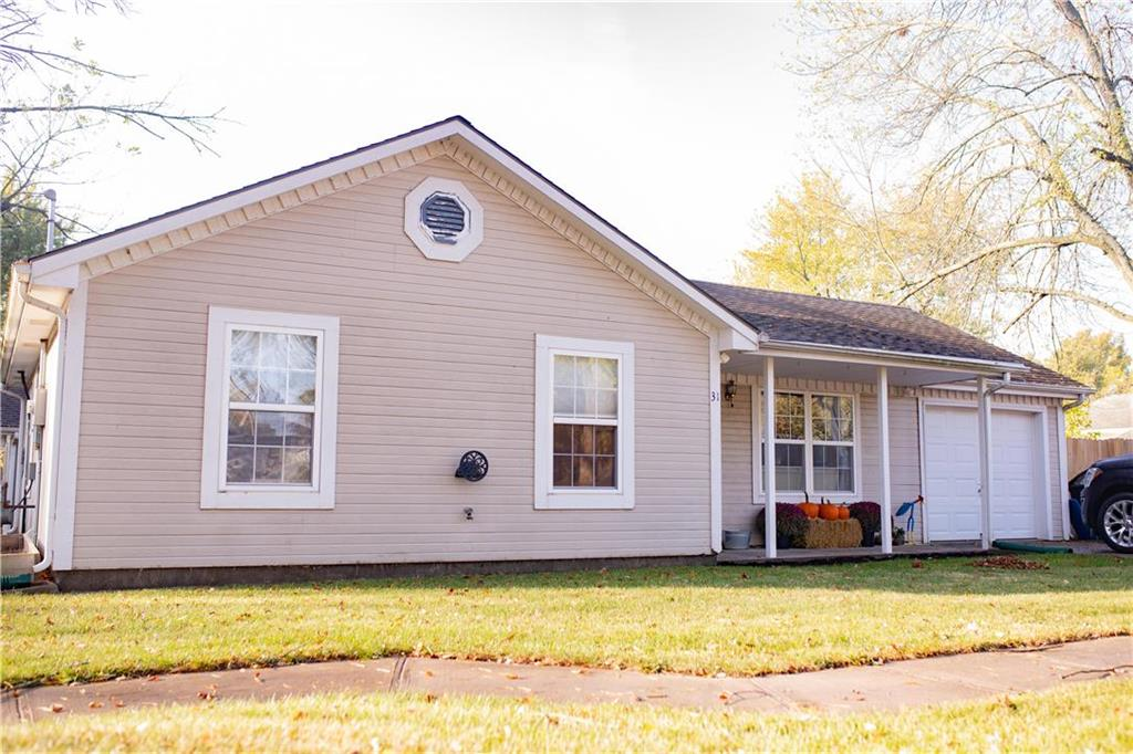 31 E 1st Street Property Photo - Adrian, MO real estate listing