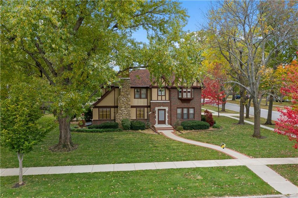 304 E 11th Street Property Photo - Ottawa, KS real estate listing