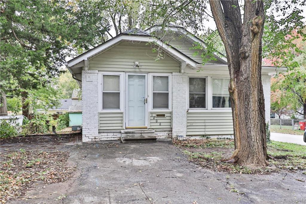1406 S Hardy Avenue Property Photo