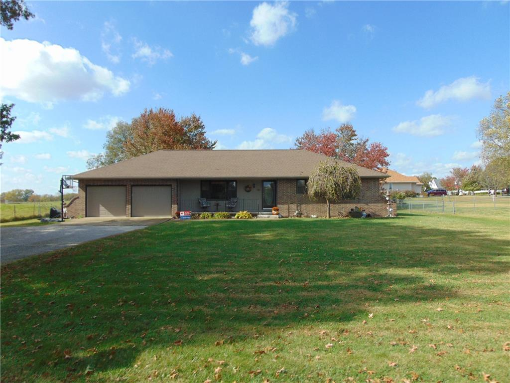 705 N Booth Road Property Photo - Clinton, MO real estate listing