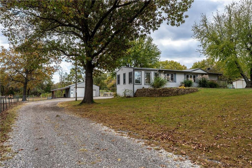 21075 Golden Road Property Photo - Linwood, KS real estate listing