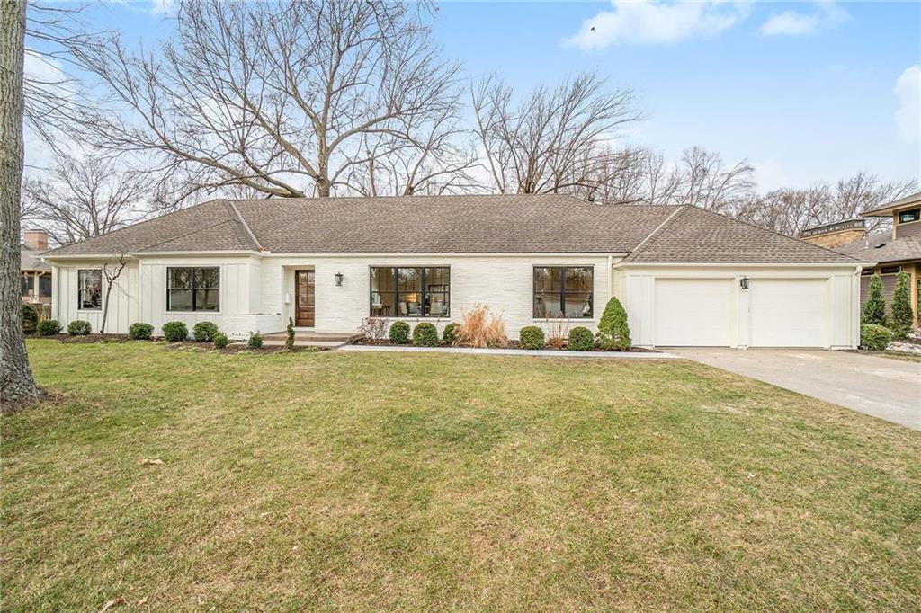 9410 Ensley Lane Property Photo - Leawood, KS real estate listing