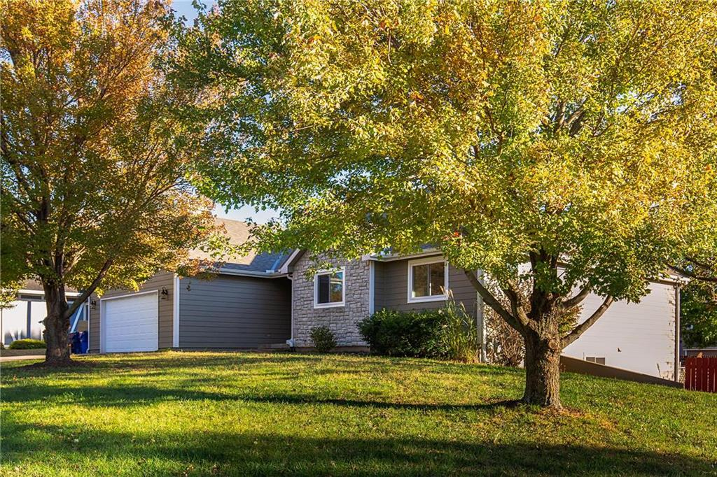 4833 Tempe Street Property Photo - Lawrence, KS real estate listing