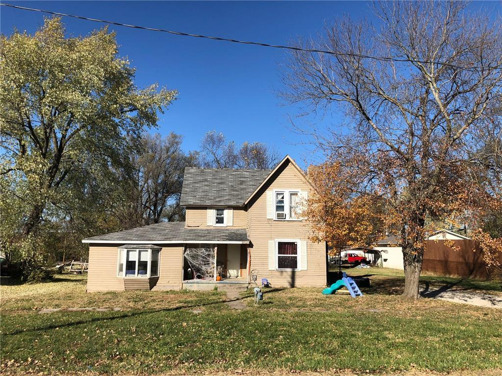 614 Locust Street Property Photo - Mound City, KS real estate listing