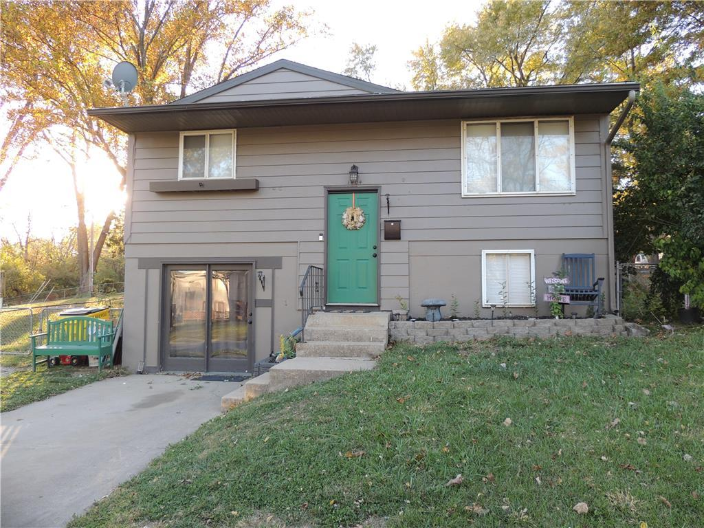 1404 N Geronimo Drive Property Photo - Independence, MO real estate listing