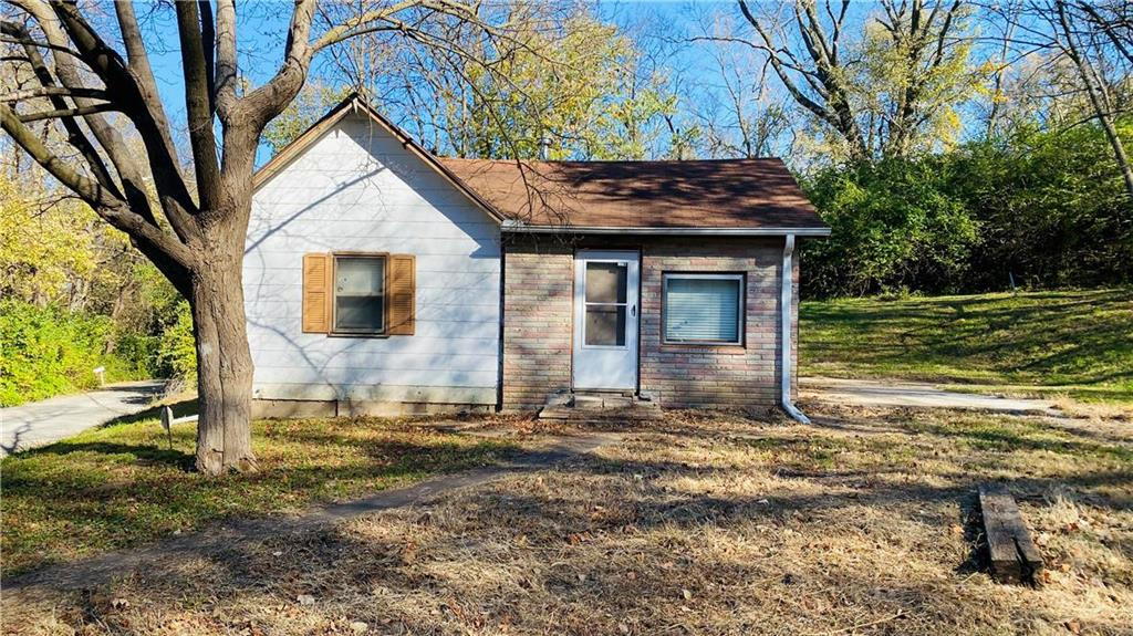 1002 Boulevard View Drive Property Photo 1