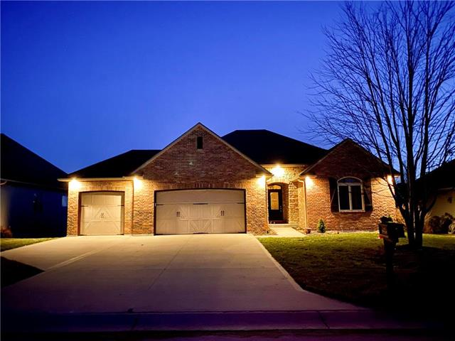 1209 Holland Square Property Photo - Warrensburg, MO real estate listing