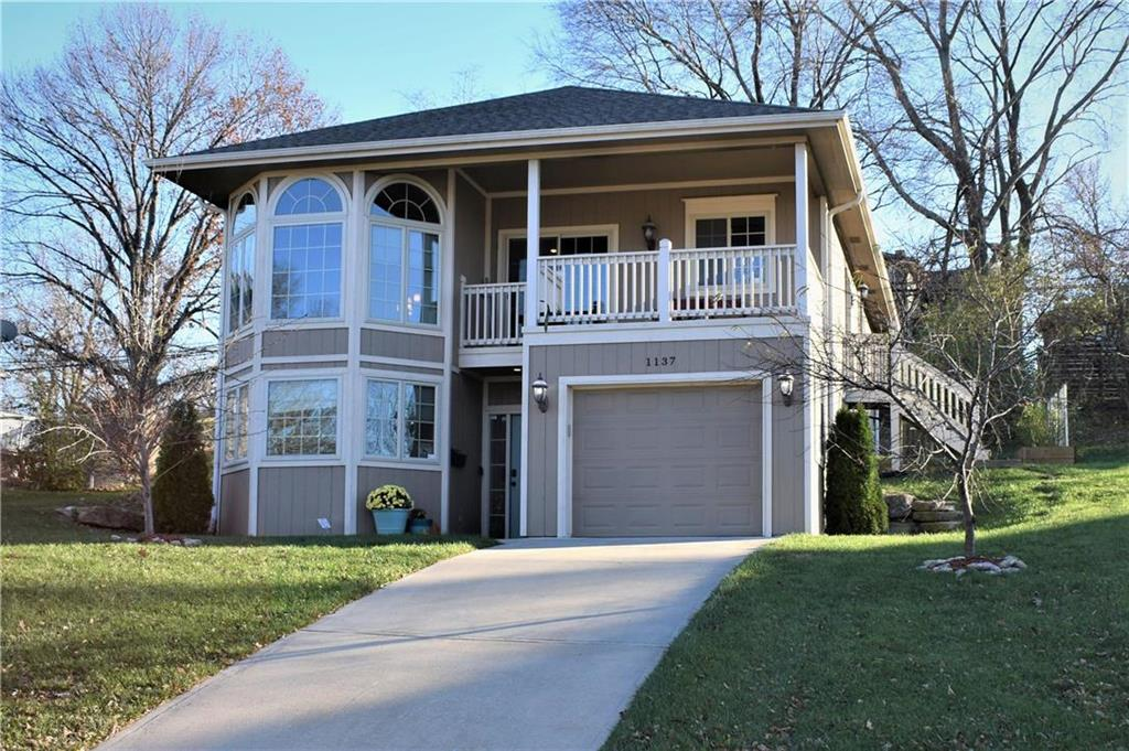 1137 E 49th Street Property Photo - Kansas City, MO real estate listing