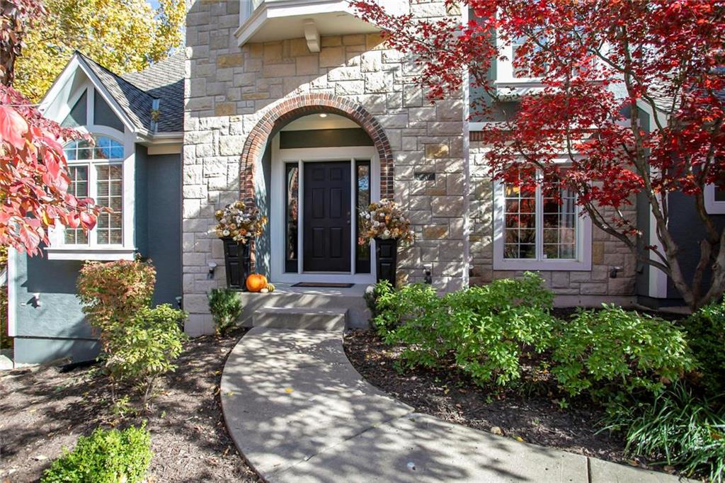 5607 Spinnaker Pointe N/A Property Photo - Parkville, MO real estate listing