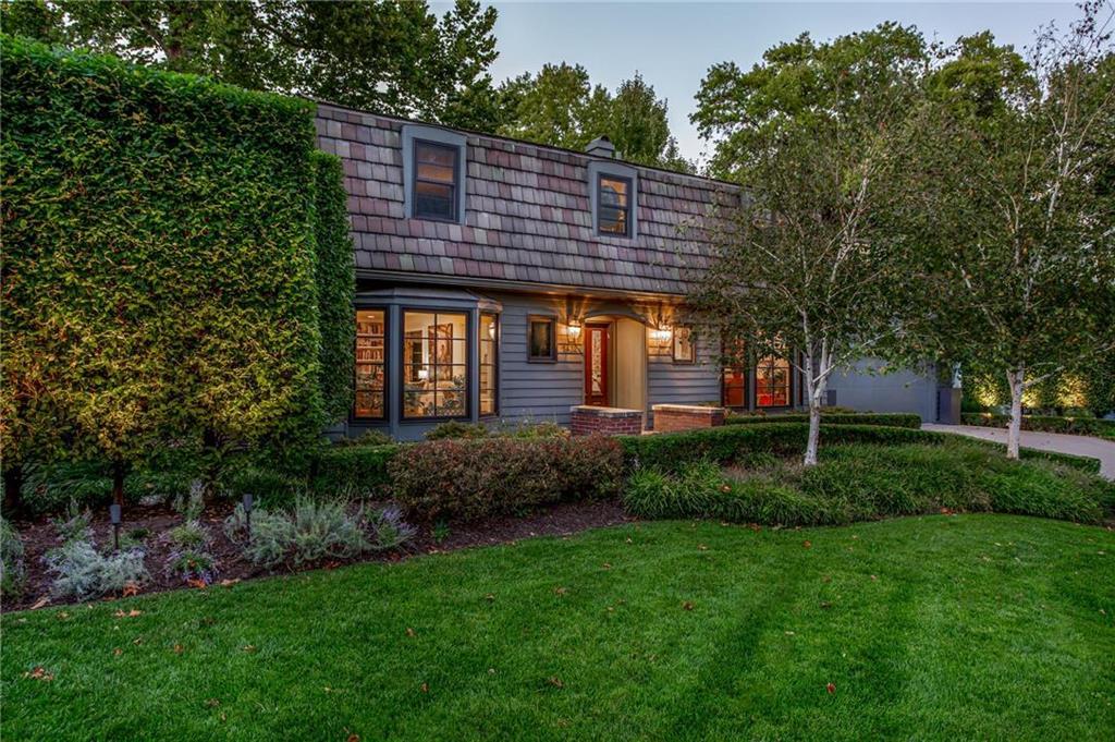 5432 Locust Street Property Photo - Kansas City, MO real estate listing