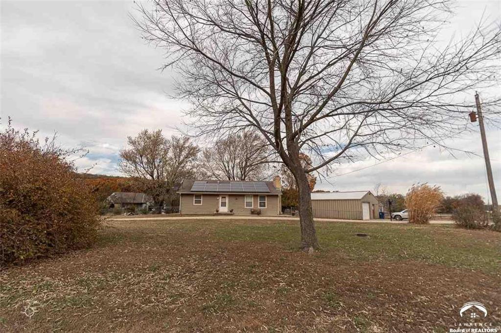 693 E 1450 Road Property Photo