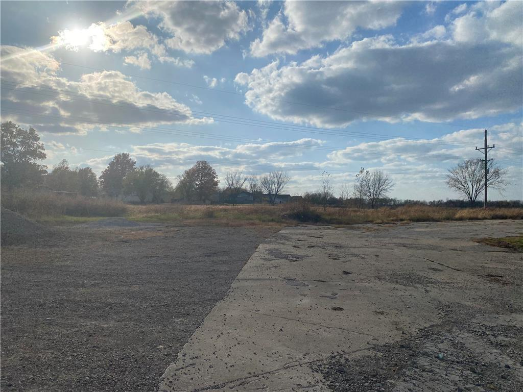 Old 7 Highway Property Photo - Garden City, MO real estate listing