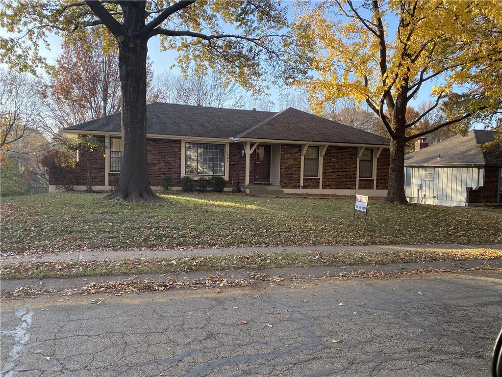 1901 SW 11th Street Property Photo - Blue Springs, MO real estate listing