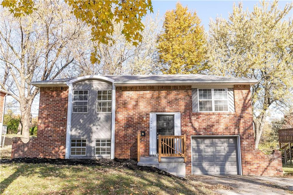 16518 E 35TH Street Property Photo - Independence, MO real estate listing