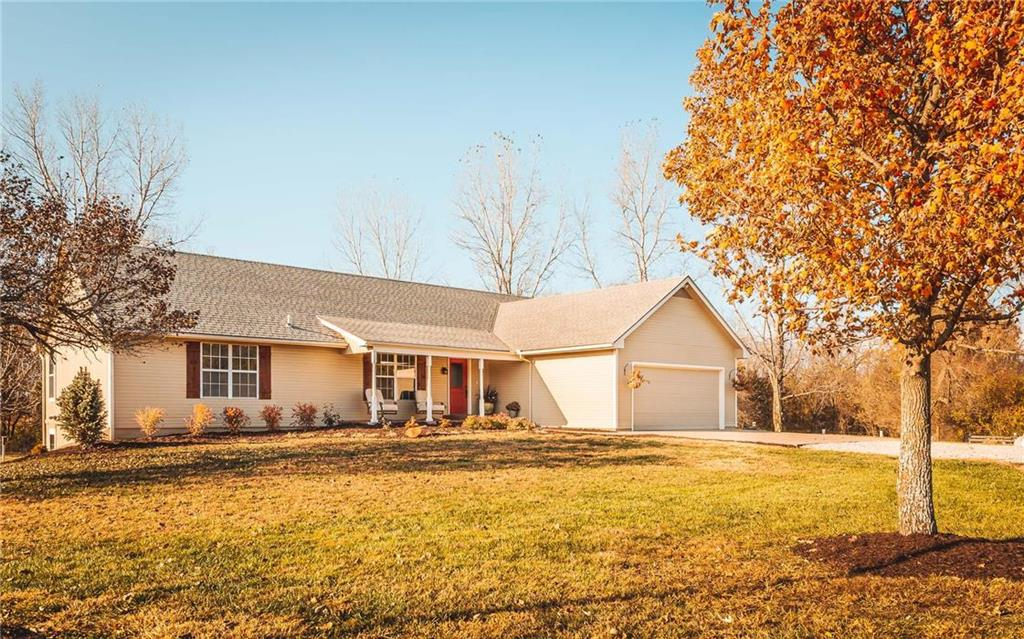 1258 N 1100 Road Property Photo - Lawrence, KS real estate listing
