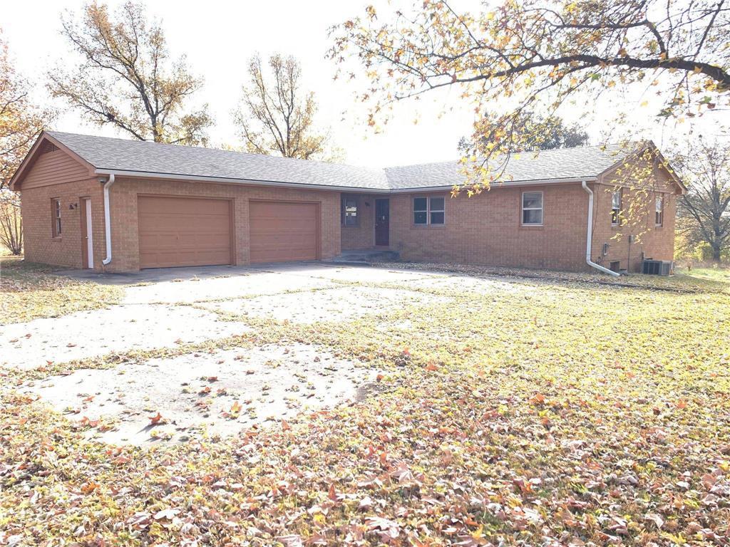 615 E Main Street Property Photo - Meriden, KS real estate listing