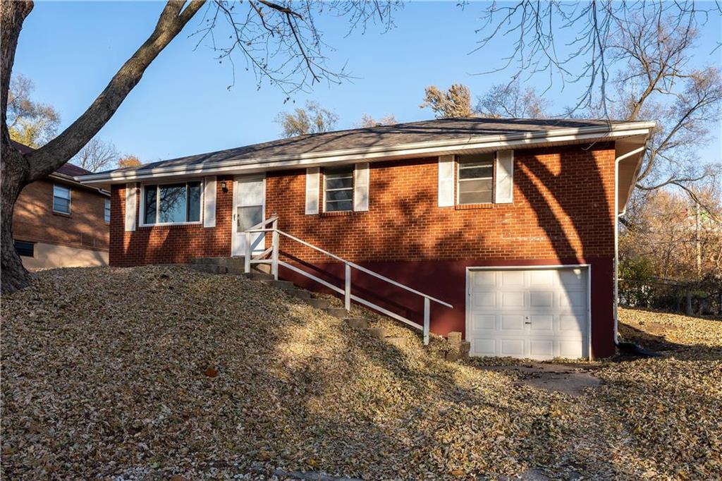 4923 N Newton Avenue Property Photo - Kansas City, MO real estate listing