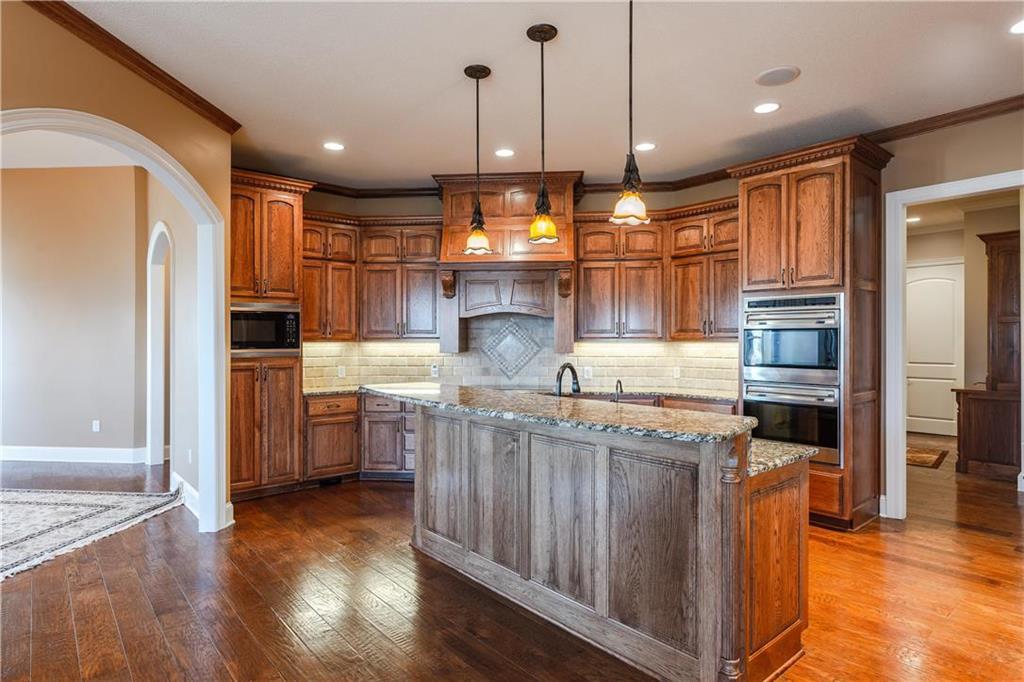 22750 W 183rd Street Property Photo 13