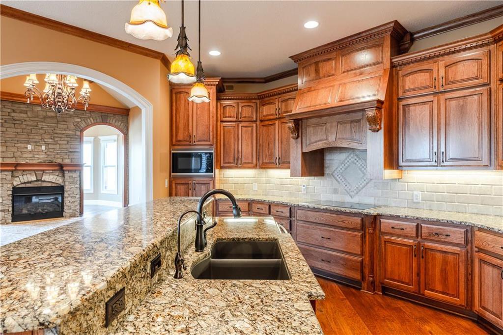 22750 W 183rd Street Property Photo 14