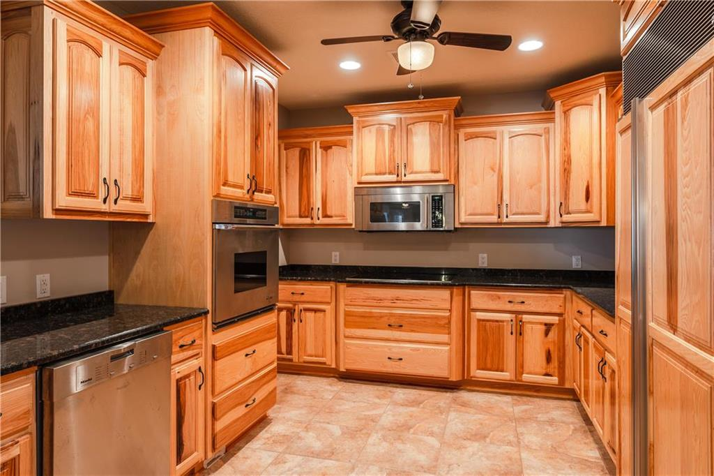 22750 W 183rd Street Property Photo 40