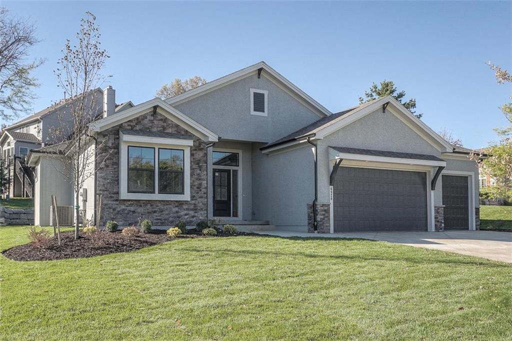 6920 Kenton Street Property Photo - Shawnee, KS real estate listing