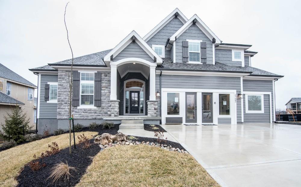 20698 W 109th Terrace Property Photo - Olathe, KS real estate listing