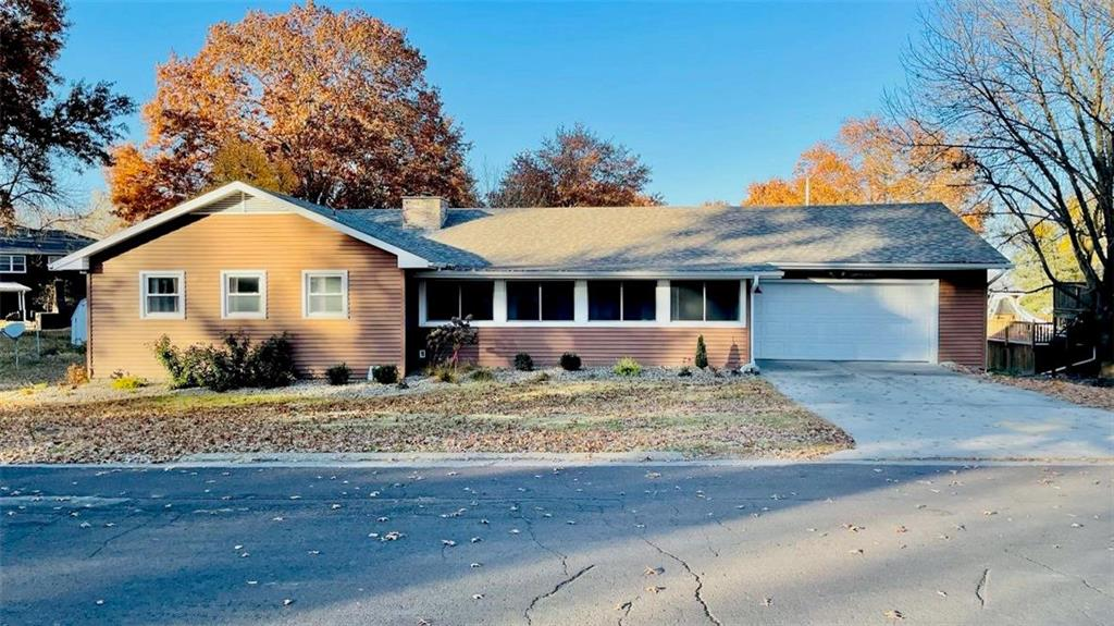 1805 Crestview Terrace Property Photo - Trenton, MO real estate listing