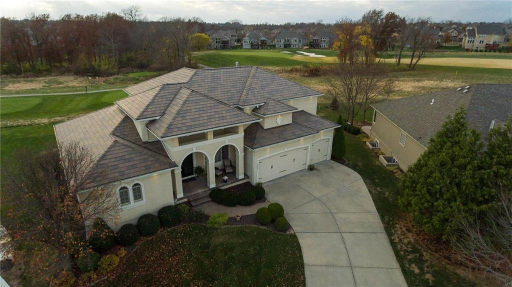 1402 Young Circle Property Photo - Raymore, MO real estate listing
