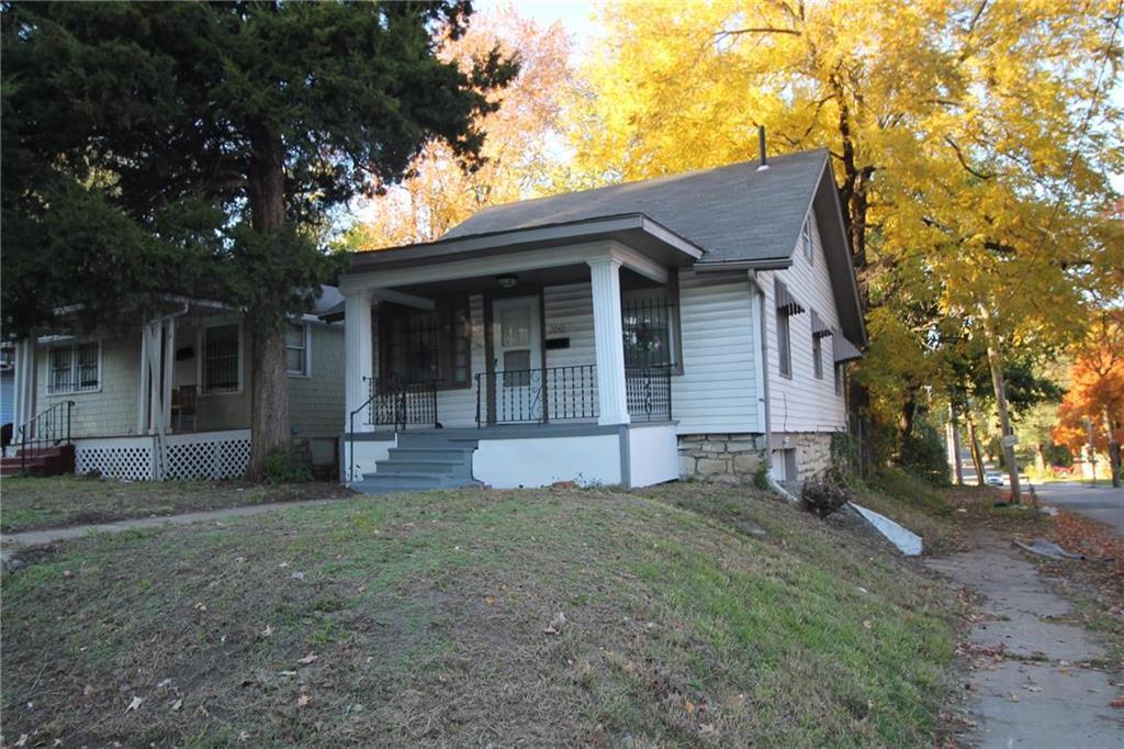 2242 E Gregory Boulevard Property Photo - Kansas City, MO real estate listing