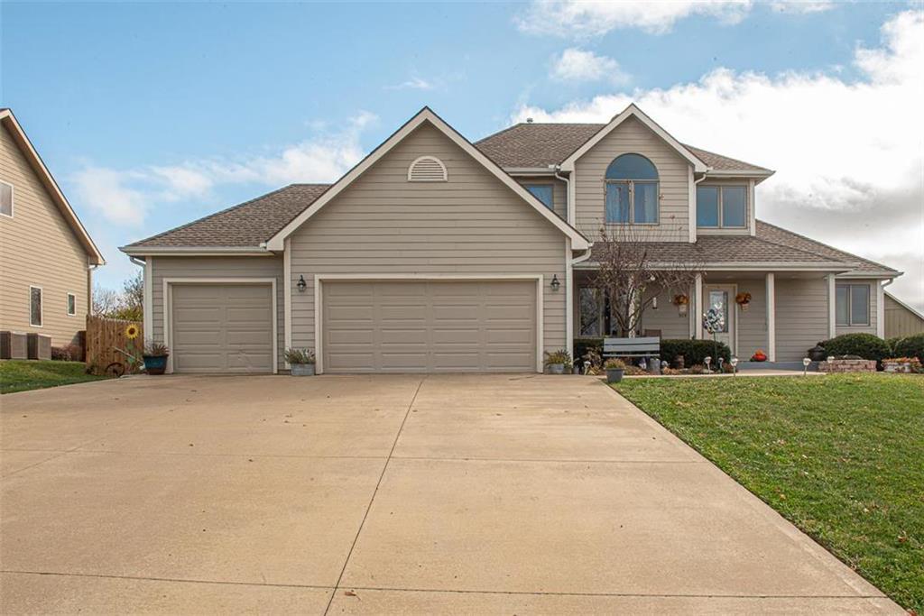 309 Signal Ridge Drive Property Photo - Baldwin City, KS real estate listing