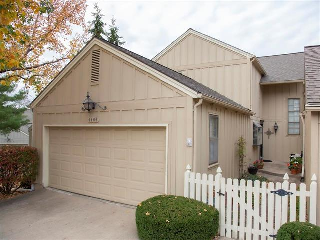 4404 W 111th Terrace Property Photo - Leawood, KS real estate listing