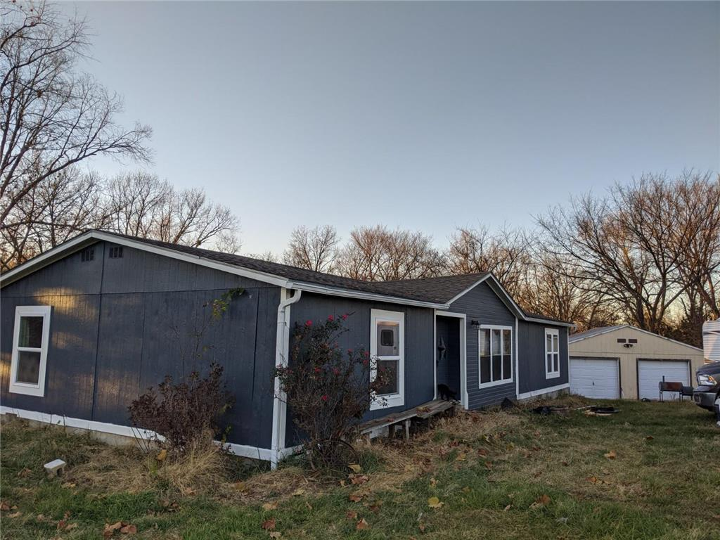 684 SW 11th Road Property Photo - Warrensburg, MO real estate listing