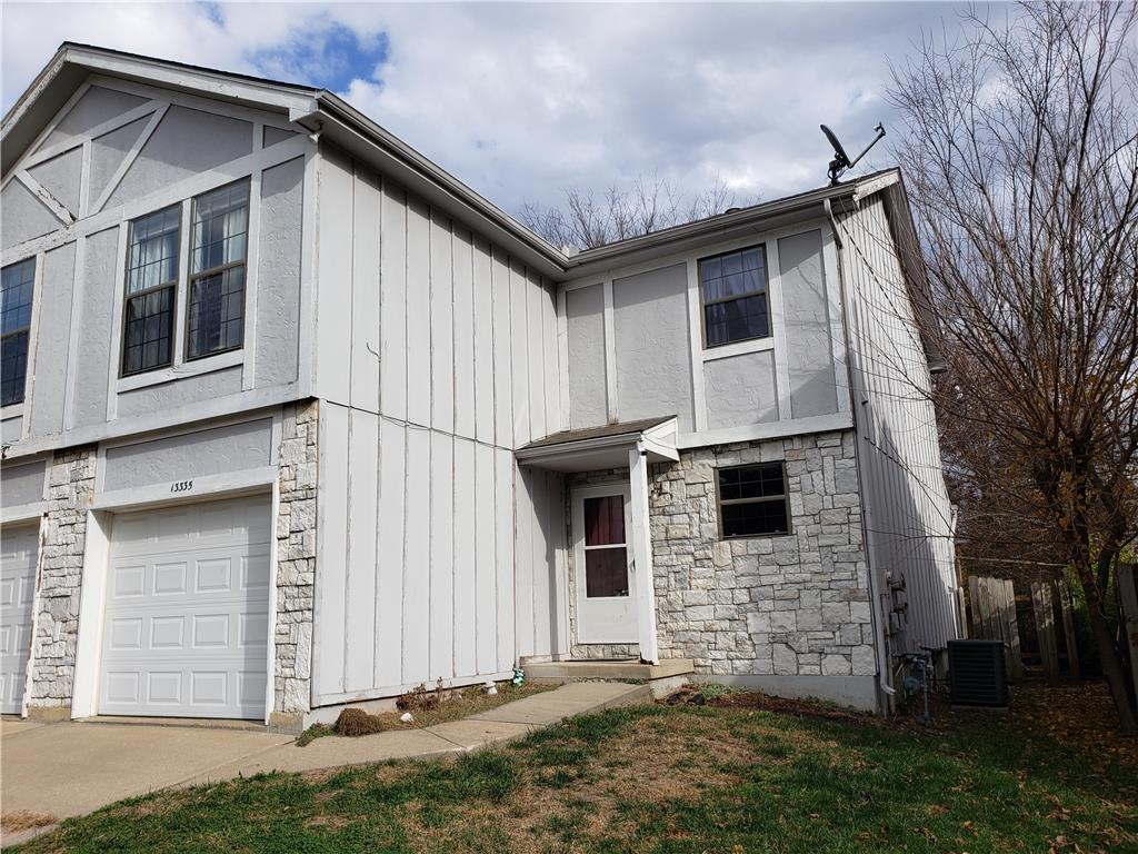 13335 Walnut Street Property Photo - Kansas City, MO real estate listing