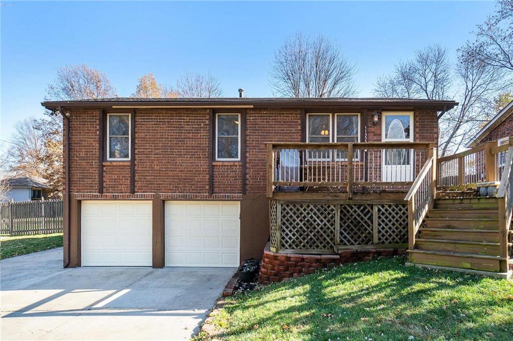 11335 N Oak Trafficway Property Photo - Kansas City, MO real estate listing