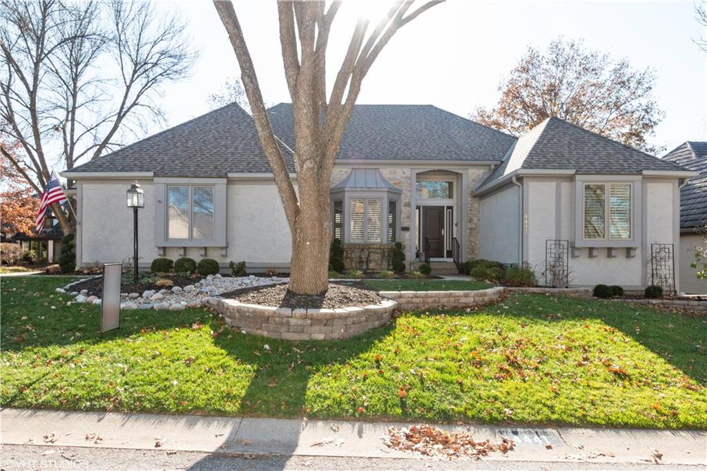 4441 W 124th Terrace Property Photo - Leawood, KS real estate listing