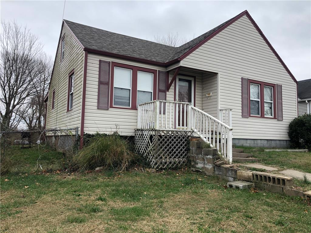 203 N Grand Street Property Photo - El Dorado Springs, MO real estate listing
